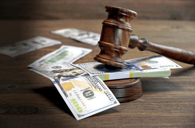 Почему банк не подает в суд на должника за неуплату кредита