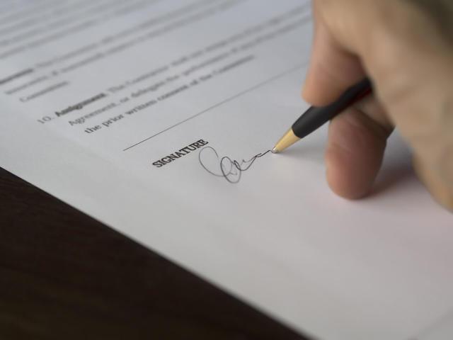 Выпуск под обеспечение уплаты таможенных платежей: что это такое, как применить обеспечение при транзите и временном ввозе груза