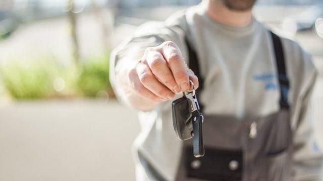 Доверенность на управление автомобилем от юридического лица: образец и порядок оформления