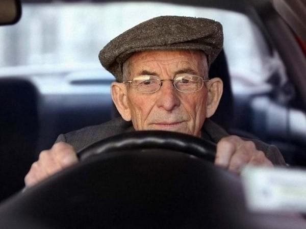 Кто освобождается от уплаты от транспортного налога