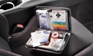 Аптечка автомобильная: состав, срок годности и штрафы