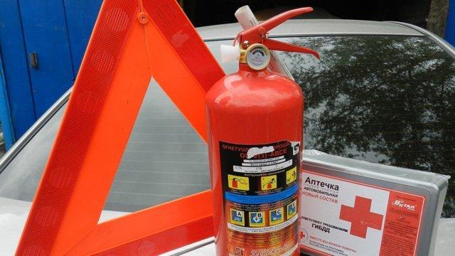 Штраф за отсутствие аптечки и огнетушителя и несоблюдение требований к ним