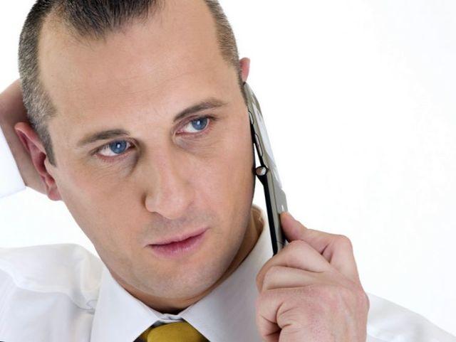 Имеет ли право банк звонить на работу должнику