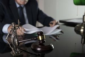 Банкротство ООО: основные причины, признаки и инициация процедуры