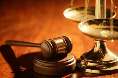 Имеет ли право председатель ТСЖ вывешивать списки должников
