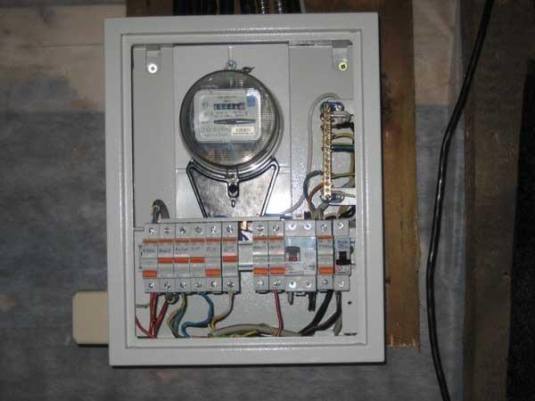 Срок эксплуатации электросчетчика и права потребителя