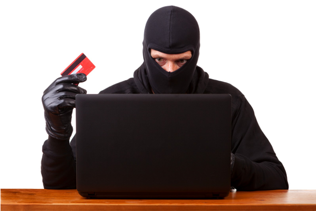 Как заблокировать карту мошенника и вернуть свои деньги