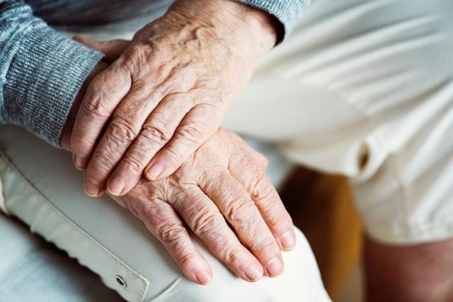 Как получать пенсию за умершего супруга: стоит ли переходить, порядок действий и что будет если снова заключить брак