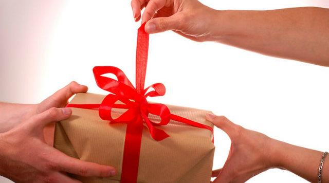 Одаряемый в договоре дарения: его права и обязанности в отношении имущества и дарителя