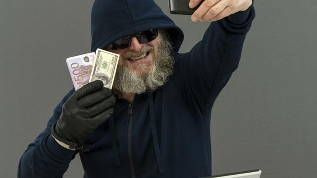 Заявление о вымогательстве денег: образец составления, куда подавать и наказание