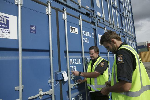 Таможенная логистика: что это такое, включенные услуги (заполнение таможенной декларации, перевозки грузов и т.д.)