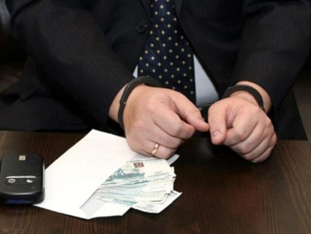 Злоупотребление должностными полномочиями - статья 285 УК РФ: особенности состава преступления и меры ответственности