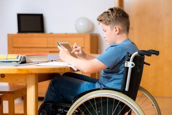 Пенсия детям и инвалидам и их родителям: условия получения и размер