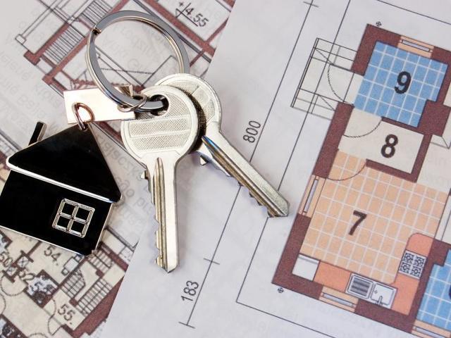 Можно ли передарить квартиру полученную по дарственной другим лицам или обратно дарителю